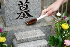 プロが教える墓石の掃除方法!準備するものや手順を解説