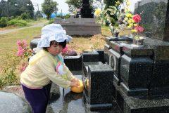 墓石の掃除の仕方を解説!おすすめの掃除道具は?